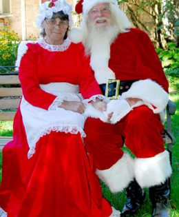 Gatineau Santa and Mrs Claus