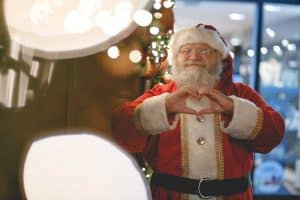 santa-heart-mall-santa