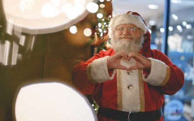 Mall Santa's Going the Extra Mile